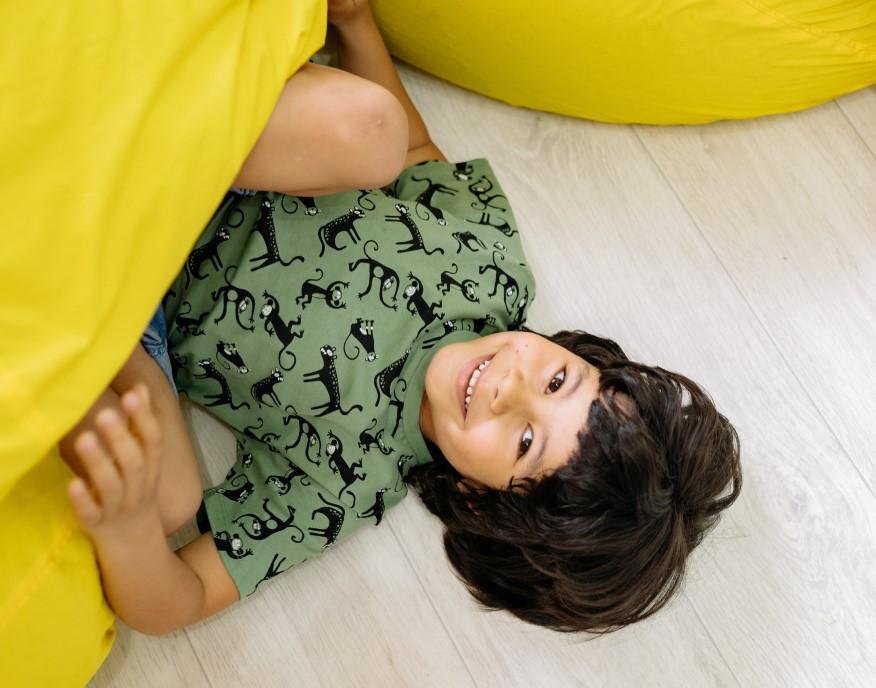 dítě a sedací vak